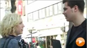 """2006: """"Auf der Straße, im Park und zu Besuch..."""" Regie & Produktion: Katharina Ludwig Rolle: Interviewpartnerin Inhalt: Arbeitslose Schauspielerin gerät unwillig in eine Umfrage"""